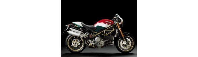 Moto Roadster Ducati Monster S4RS