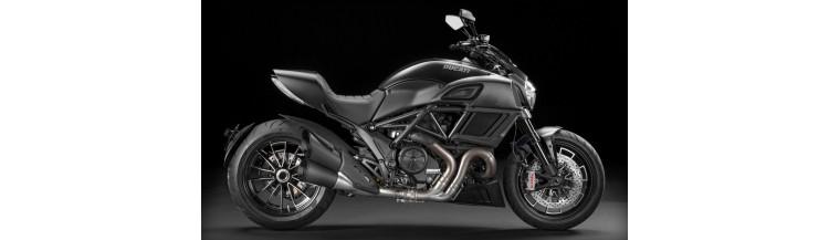 Moto Roadster Ducati Diavel