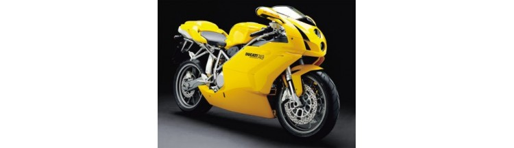Moto Ducati Superbike 749